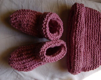 Organic Cotton Rose Baby Hat and Booties