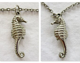 Vintage Seahorse / Sea Horse / Silver Colored / With Chain / Exquisitely Detailed / Double Sided / Marine / Ocean / Fish / Coral Reef