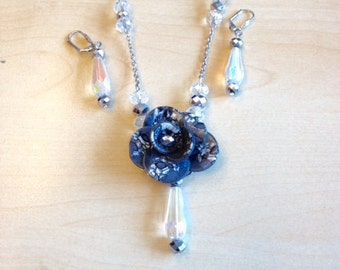 Polymer clay flower adornment anthracite.