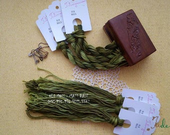 Hand painted matt cotton floss OLD MOSS hand dyed thread for embroidery, cross stitch, punto cruz, point de croix, blackwork