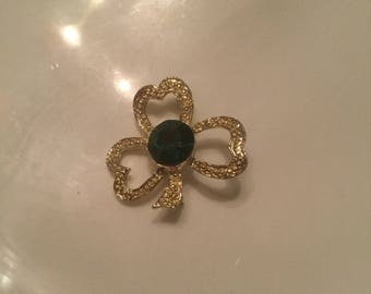 Green stone vintage clover pin
