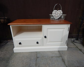 Shabby Chic Pine TV / Entertainment centre / Music centre