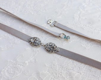 Gray elastic waist belt. Rhinestone leaf belt. Thin belt. Silver leaf belt. Dress belt. Skinny belt. Bridal belt. Bridesmaids belt
