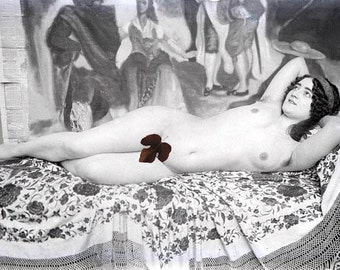 vintage photo Mature Print Artist Model French Nude Reclining with Painting 1900