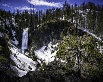 Columnar Canyon Waterfall