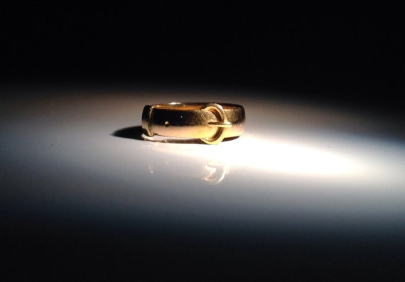 1855 Buckle Ring 22K English Gold Chester - Size 7