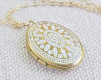 Gold Locket Necklace, Small Locket Pendant Necklace, Long Locket Necklace, Gold Oval Locket Pendant, Photo Locket Necklace, Simple Locket