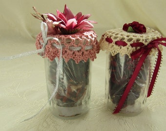 Set of 2 Potpourri Jars w/Crocheted Toppers, Potpourri Ivory, Pink