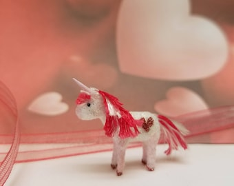 Limited Edition Valentine 2018 Unicorn for the Dollhouse