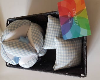 Ball of gripping Montessori textures for baby with tags