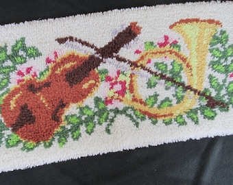 """Vintage Completed Needlework Hooked Rug Mat Piano Bench Cover Mary Maxim 16662 Concerto Violin 34 x 17"""""""