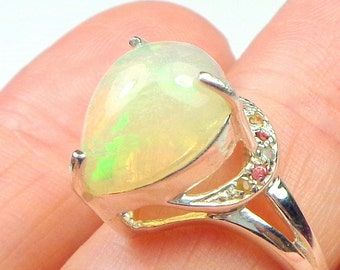 Sz 6.50, 3Ct.Welo Opal, Sterling Silver Ring,Ethiopian Opal,Pastel Color Play,Green,Peach and Yellow,Mystical Stone, Natural Gemstone,OOAK