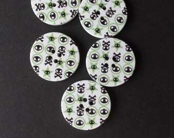 Skulls pattern in Green and Black 3cm Painted Wooden Buttons