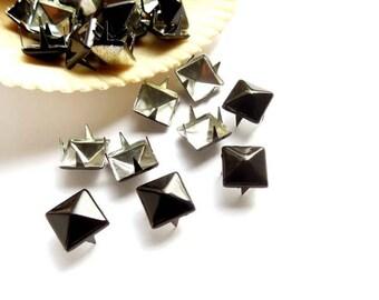 30 Black Pyramid Square Studs - 9mm - 23-27