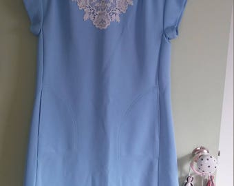 Vintage blue dress with lace detail