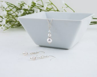 Swarovski White Pearl and Crystal Pendant and Earring Set