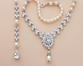 Pearl wedding necklace, backdrop necklace, pearl bridal jewelry crystal necklace, pearl backdrop necklace wedding accessories cubic zirconia