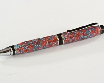 Something a little different in Pink and Blue. It's a very RICE pen.