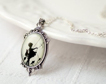 Silhouette necklace, Victorian girl necklace, vintage style Cameo necklace, Silver Cameo pendant, Wearable Art, Reyro style Necklace