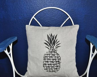 Pineapple linen decorative cushion
