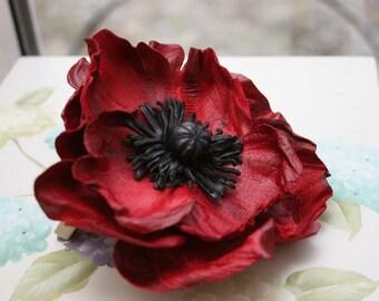 """Leather Flower Brooch """"Poppy"""" art.33R51"""