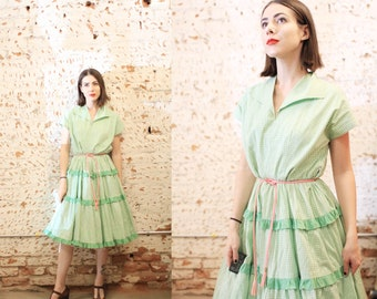 Vintage 1950s large xl volup plus size green and white gingham checkered dress / square dancing / full skirt / fit and flare / patterned