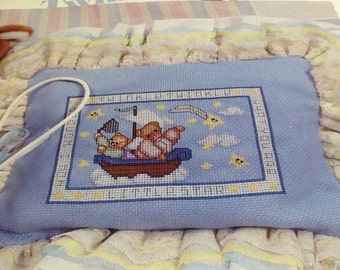 TWINKLE LITTLE STAR - Baby Pillow/Cushion - Cross Stitch Pattern Only