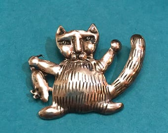 Vintage Sterling Silver Cat Holding a Mouse Brooch Signed Vadra '96