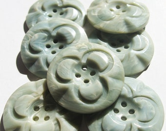 One remaining - Unusual clover motif button