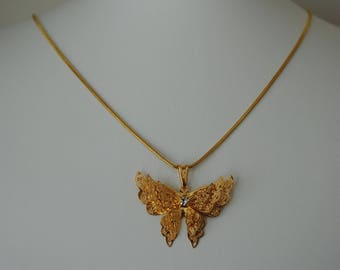MIA necklace