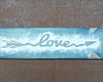love arrow | Wood Signs | Wooden Sign | Rustic Sign | Love Sign | Photo Prop | Wedding Sign | Valentine's Day | Home Decor | Wall Decor