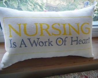Pflege ist ein Werk der Herz - Kissen-