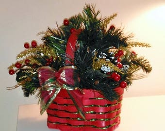 Traditional Red Holiday Basket - Small