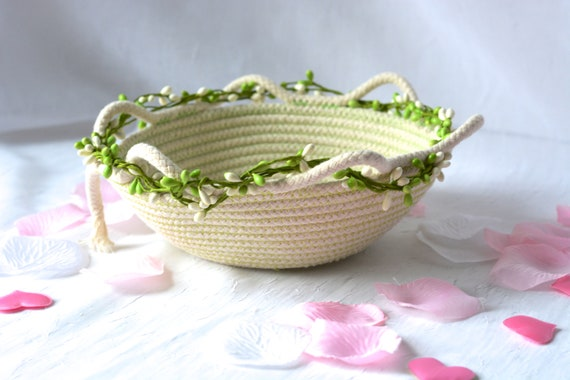 Green Artisan Basket,Handmade Clothesline Quilted Bowl, Brush Holder, Primitive Coiled Fabric Basket, Rustic Natural Raw Rope Decor