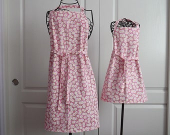 Mommy & Me Apron Set, Pink Daisies