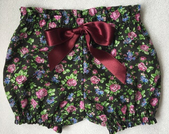 T E S S A baby bloomers.