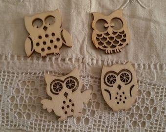 Set of 4 natural wood owls / scrapbooking embellishments