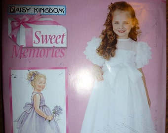 Simplicity Pattern 0683 for Girl's Dress Sweet Memories Daisy Kingdom  Sizes 7,8,10,12,14 Available
