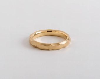 Delicate Wedding Ring, Thin Facet Wedding Band Ring, Geometric Gold Facet Ring,  Men's Wedding Ring 14k 18K Gold, Raw Ring