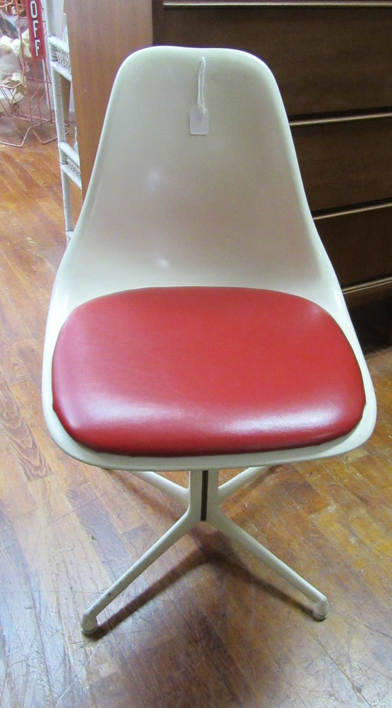 Burke Tulip Chair