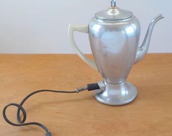 Vintage Electric Aluminum Percolator • Vintage Mirro Matic Coffee Percolator • Chrome 8 Cup Coffee Pot