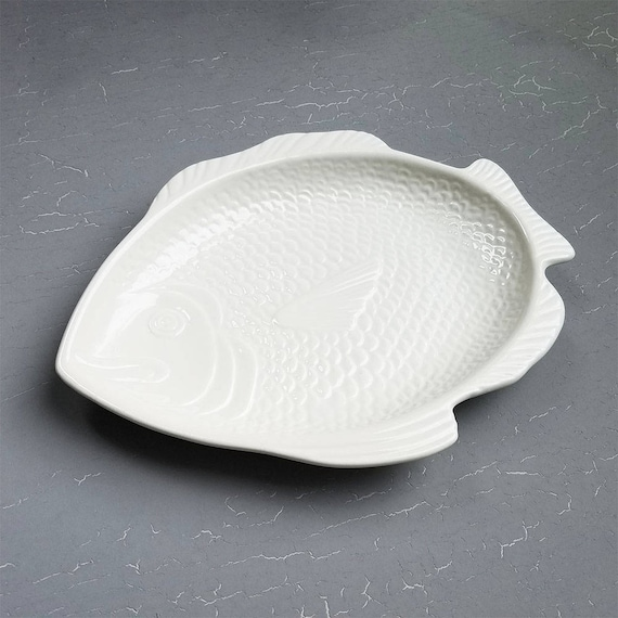 & Vintage Ceramic Fish Shaped Plate / White Small Appertizer