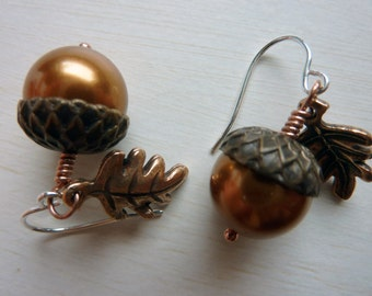 Acorn Earrings - Adorable Autumn Acorn Jewelry by Weirdly Cute