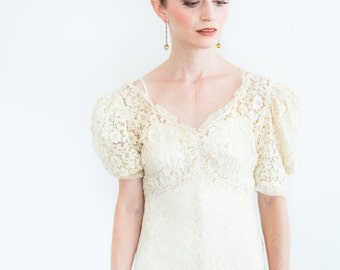 Pinch-front Lace 1930's Wedding Gown