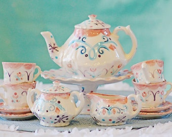 Frozen snow princess snowflakes inspired tea party.... child's tea set Personalized Tea Set and 4 Matching Tea Cups