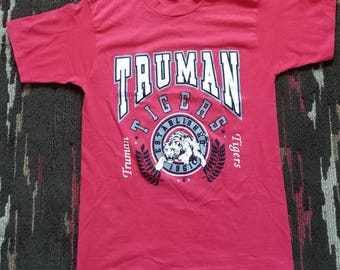 Fruit of the Loom Best Vintage 90's Truman Tigers T-shirt Medium