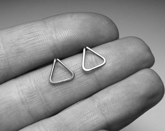 Stainless steel geometric studs - Minimal small triangle earrings - Geometric jewelry in stainless steel - Womens gift For her