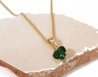 Heart Necklace, 14K Gold Pendant, Dainty Pendant, Green Necklace, Gold Heart, Minimalist Necklace, Delicate Necklace, Dainty Necklace