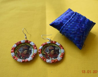 Frida Kahlo earrings, recycled earring, bottle cap earring