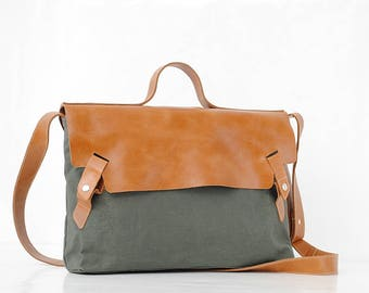 Women laptop bag , Leather canvas crossbody bag , Leather messenger bag , Military waxed canvas bag ,  Water proof bag